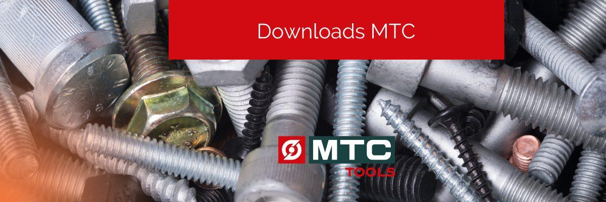 Banner com fixadores ao fundo e um retângulo vermelho com o texto Downloads MTC.